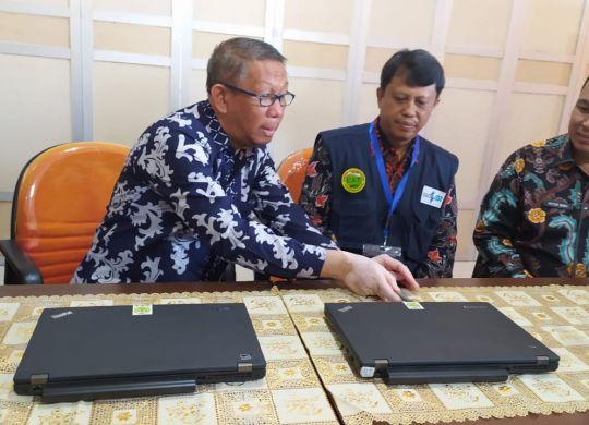 Gubernur Kalbar Membuka Segel Server CAT BKN